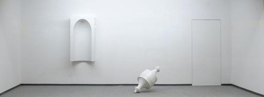 Kunstraum-Unten Schlänger, form I - form II, 2012, Polyester/Lack